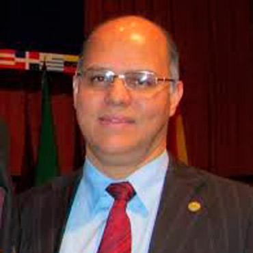 Dr. Alfredo Matos (Panamá)